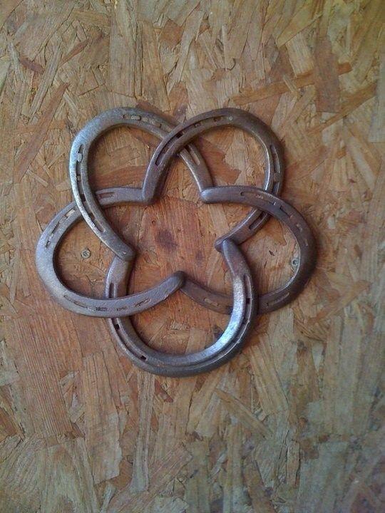 Star Made Out Of Horseshoes Horseshoe Crafts Horseshoe Art Crafts