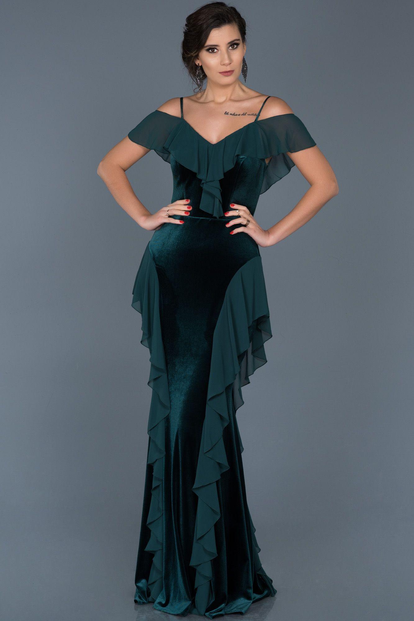 Zumrut Yesili Askili Kadife Balik Abiye Abu563 Elbise Elbise Modelleri Uzun Elbise