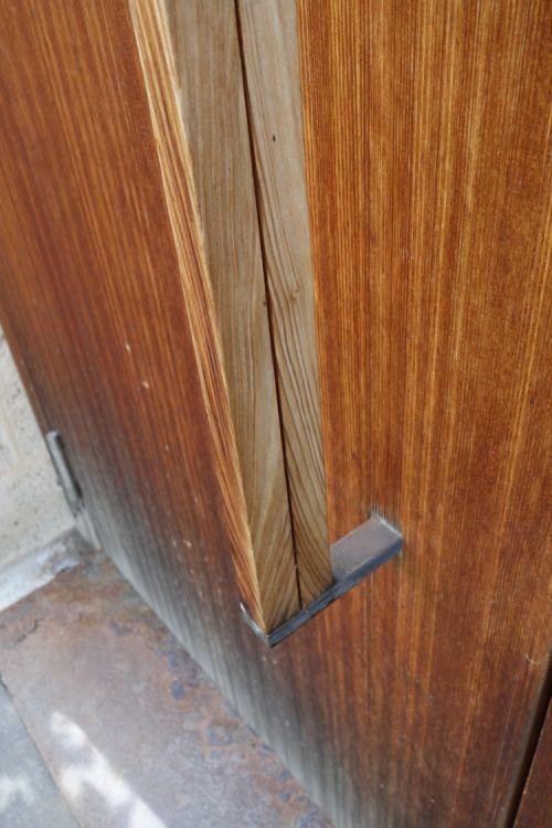 Door handle. House Z or Atelier Zumthor | Peter Zumthor's Home-Studio, Haldenstein, Switzerland. 2002- 2004