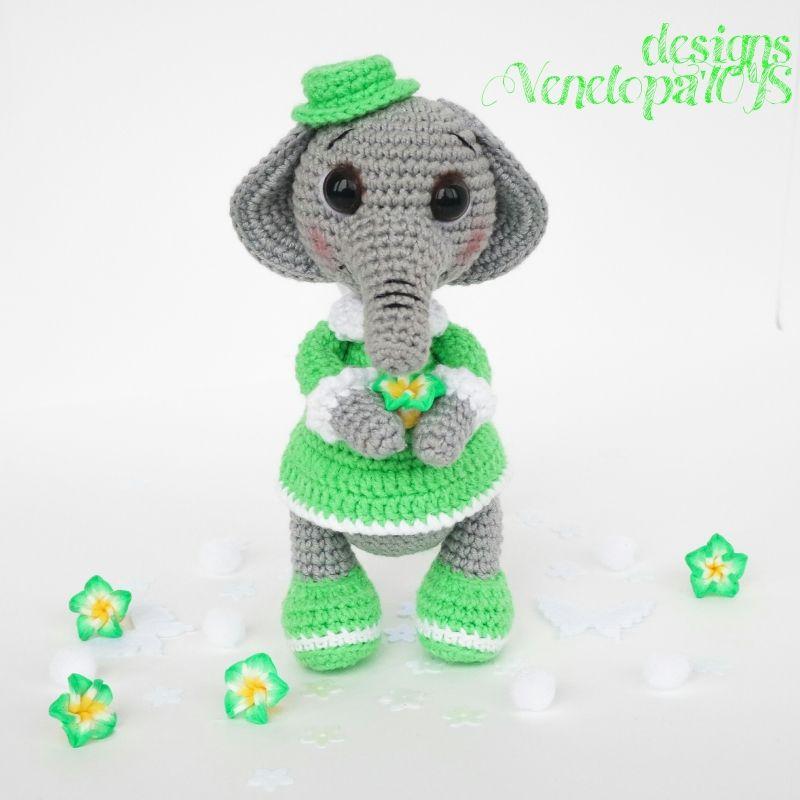 Elephant amigurumi pattern by VenelopaTOYS | Elefantes