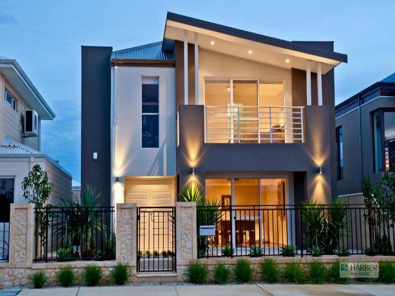 The First Floor Balcony Is Facade Oneflare House Exterior Facade House 2 Storey House Design