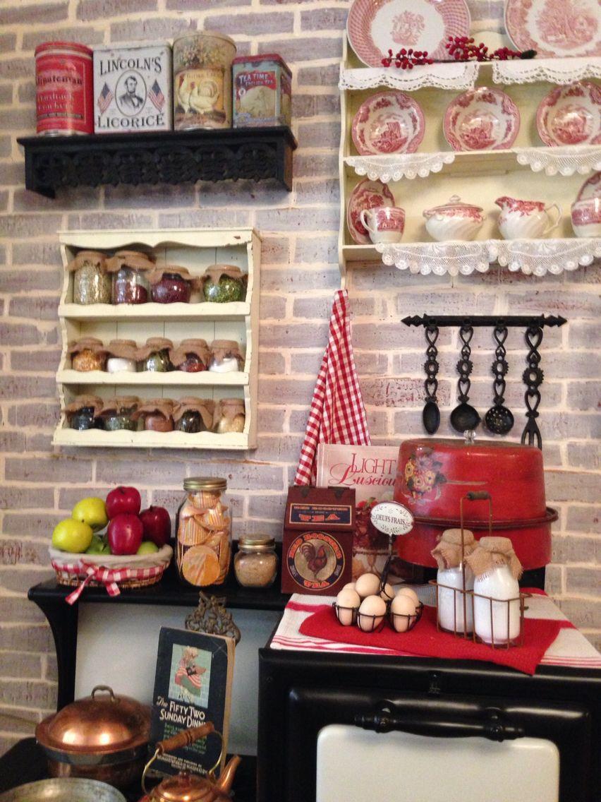 Vintage kitchen at Karen\'s Kitchen   Great decorating ideas ...