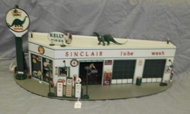 Vintage Sinclair Dino Service Station Custom Model
