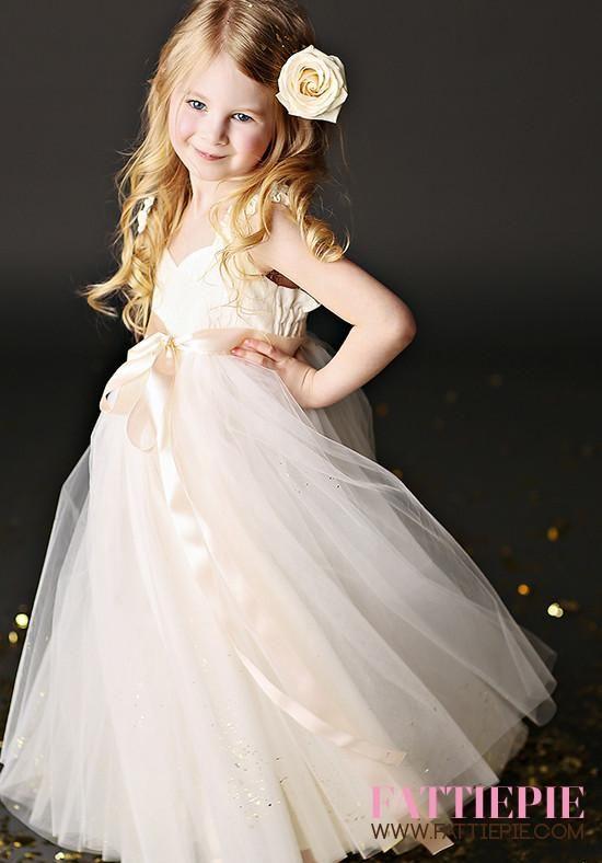 51790469a4b Ivory Lace Flower girl dresses - Fattiepie