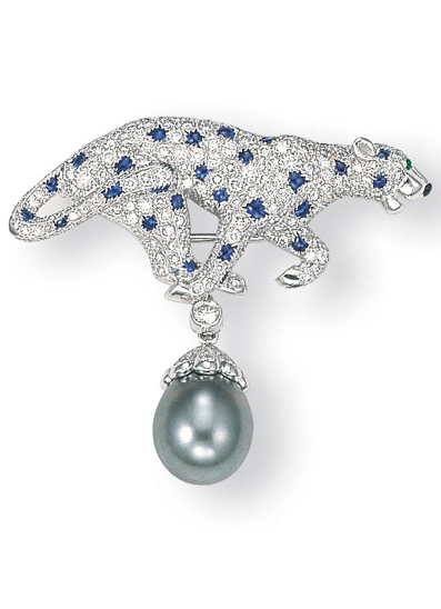 """A TAHITIAN GREY CULTURED PEARL, SAPPHIRE AND DIAMOND """"PANTHER"""" PENDANT/CLIP BROOCH, BY CARTIER Designed as a pavé-set diamond and sapphire panther, with onyx and emerald details, suspending a diamond collet and a drop-shaped grey cultured pearl, mounted in platinum and white gold, 3.8 cm high, with French assay marks for platinum and gold, in a Cartier red leather case Signed Cartier, no. 818346"""
