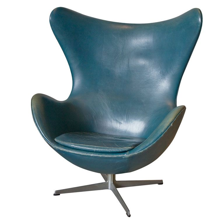 love the color a vintage arne jacobsen egg chair in original bluish leather. Black Bedroom Furniture Sets. Home Design Ideas