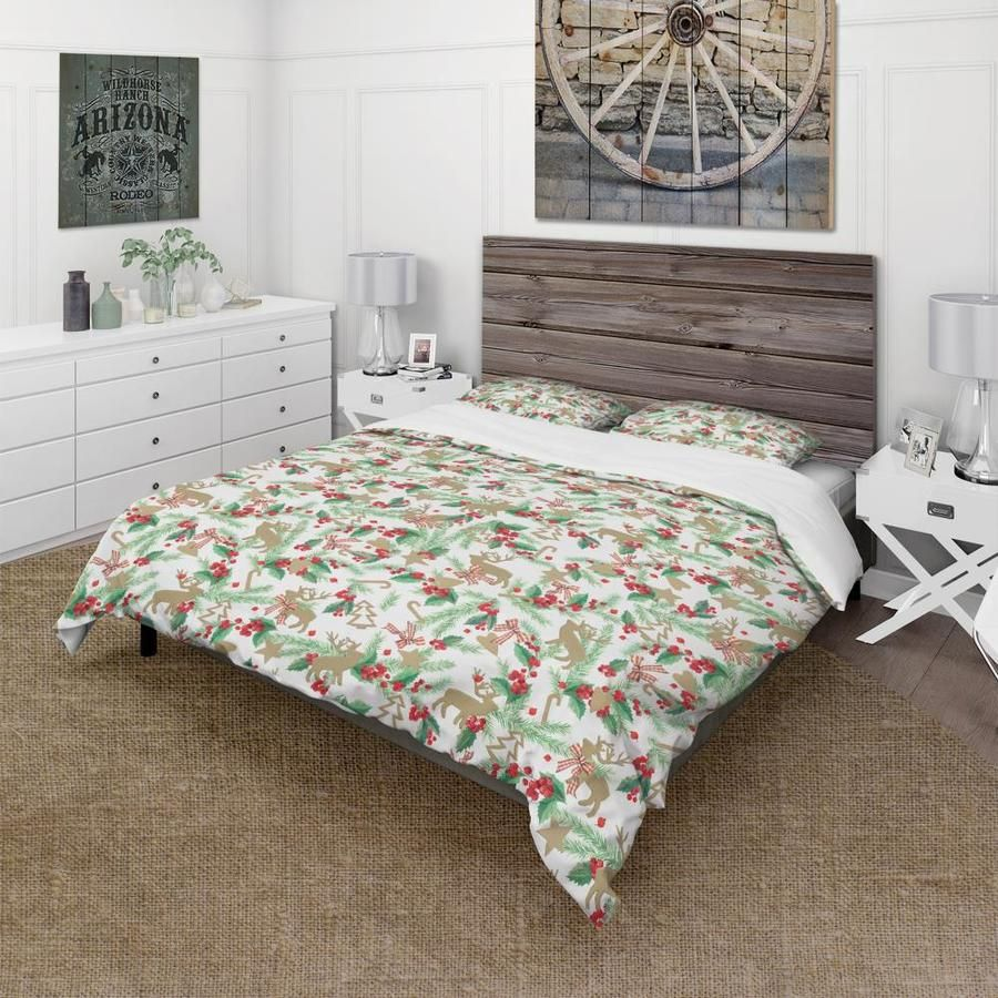 Photo of Designart Designart 'Christmas Decoration in Illustration' Cabin and Lodge Duvet Cover Set Polyester in Green | BED17617-K