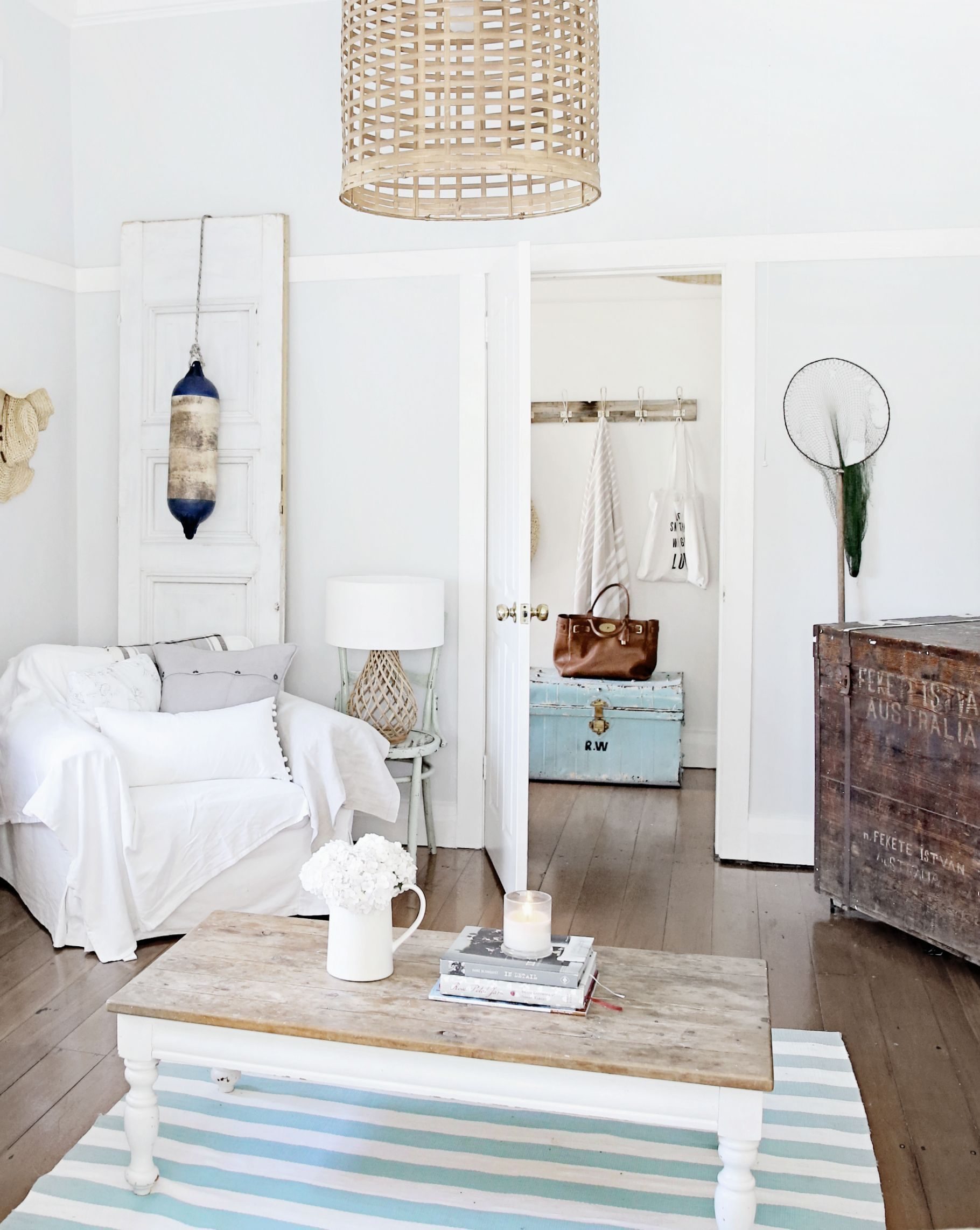Best Amazing Design Vintage Beach House Decorating Ideas With