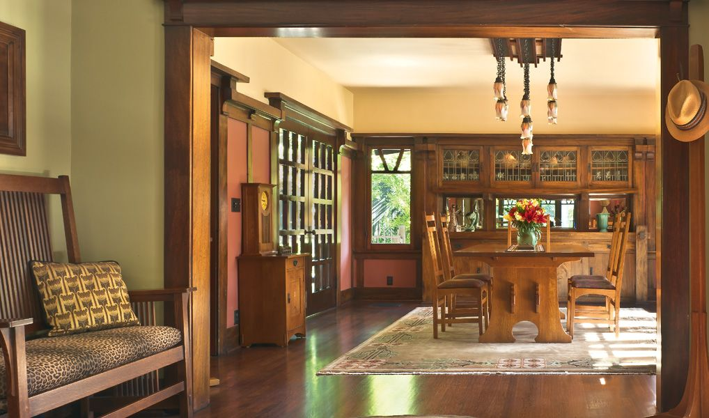 A Craftsman house built by the same firm behind Grauman's Chinese Theatre?  Inside a most