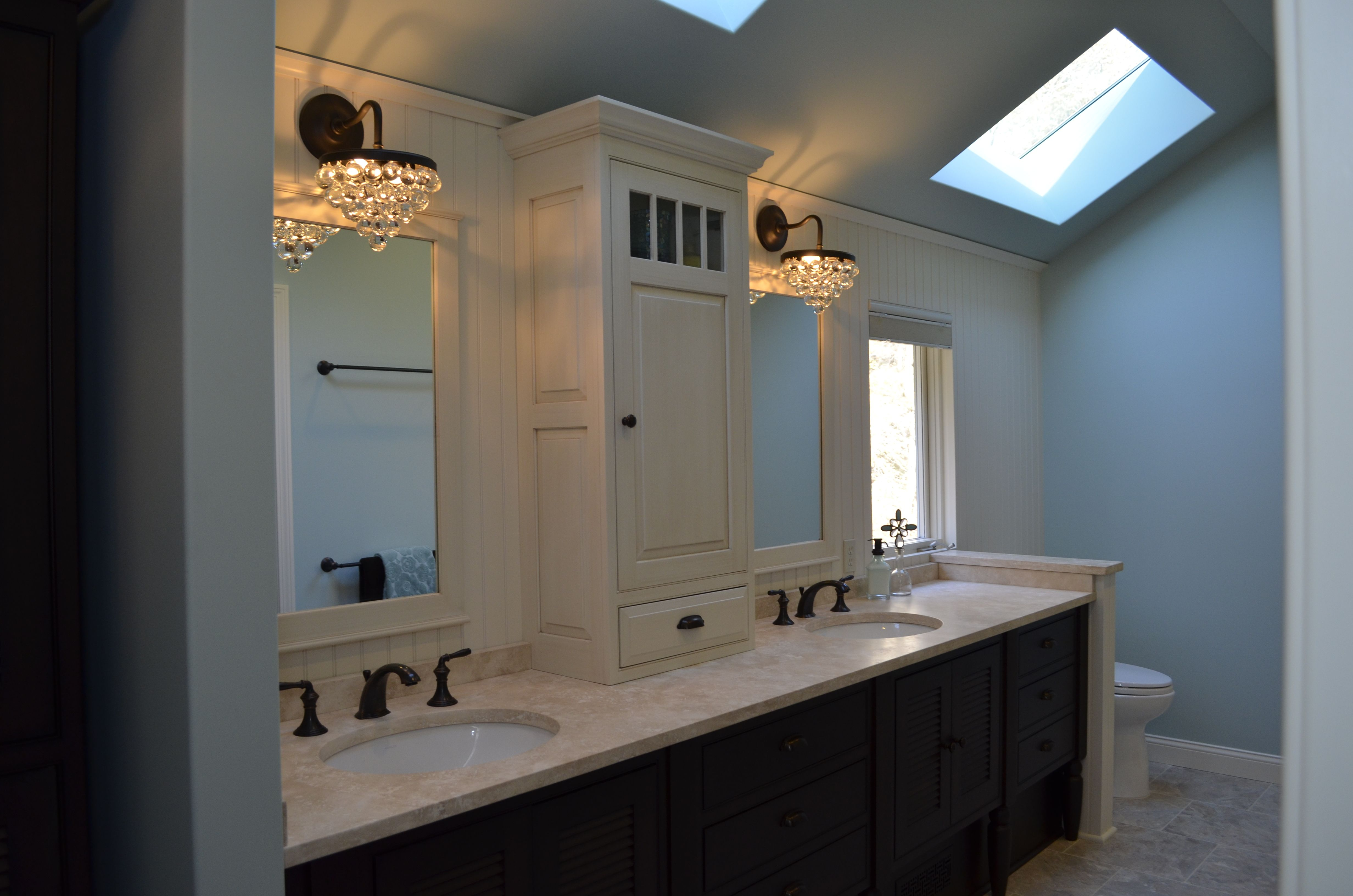 Crystal Cabinetry 2 Tone Bathroom Vanity With Center Tower