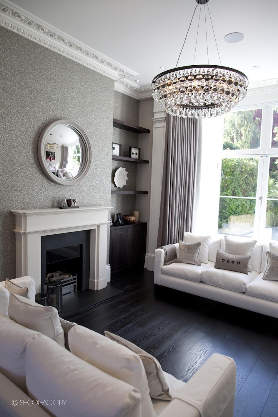 Victorian Room Design: Wallpaper, Round Mirror Living Room