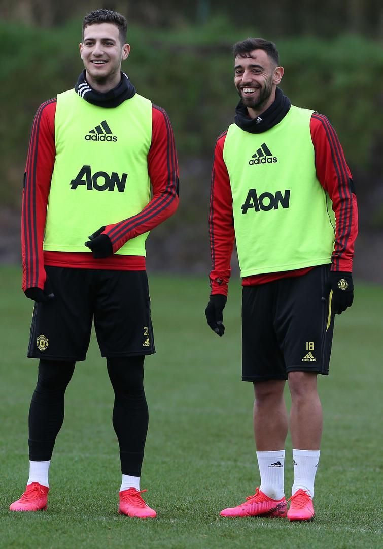 Pin By Mohamed Nasiib On Mohamednasiib142882 Gmail Com In 2020 Manchester United Training Manchester United Manchester
