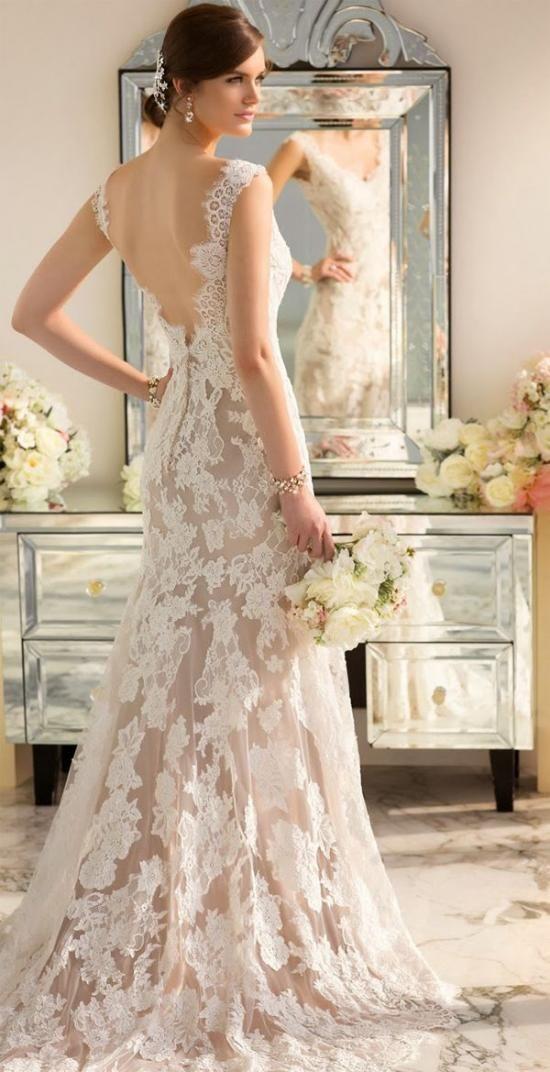 The Tradition Of The Wedding Dress News Armenian Wedding Portal Armenia Yerevan Fitted Wedding Dress Wedding Dresses Wedding Dresses Lace