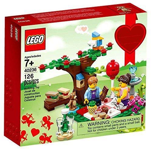 713b8caefdc LEGO 40236 Romantic Valentine Picnic