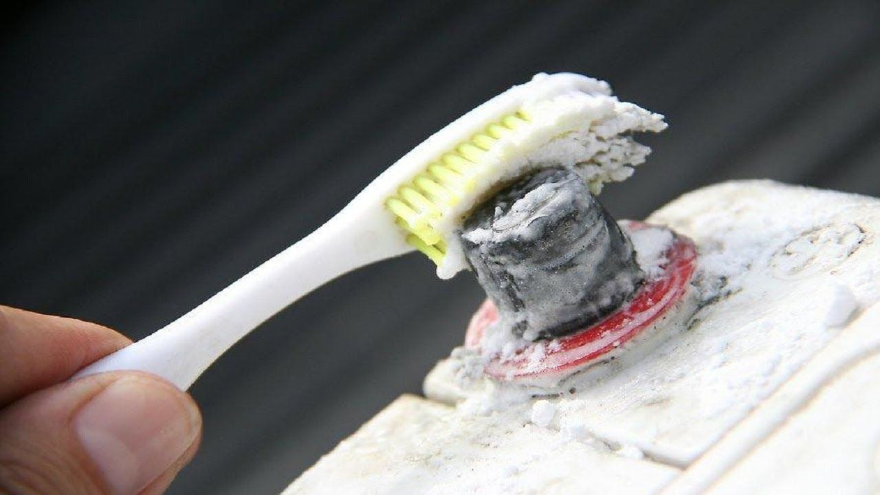 How to clean car battery corrosion and build up car