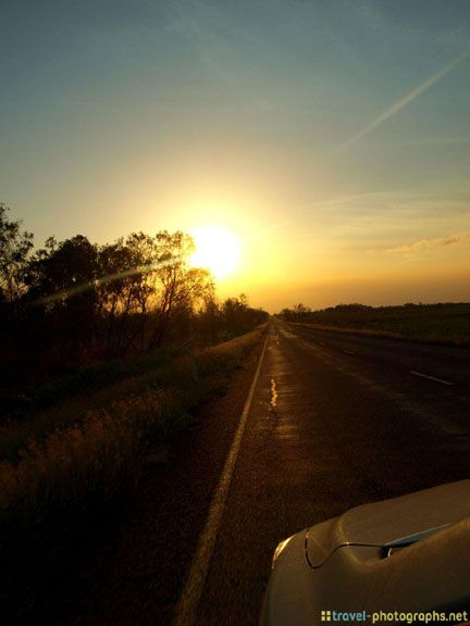 #roadtrip into the #sunset of the #outback in #australia #summer #roads - more on www.travel-photographs.net!
