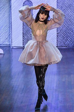 スージー・メンケスのパリ・ファッション・ウィーク評 5日目──オランピア ル タン|スージー・メンケス|ファッション・ビューティー・セレブの最新情報|VOGUE