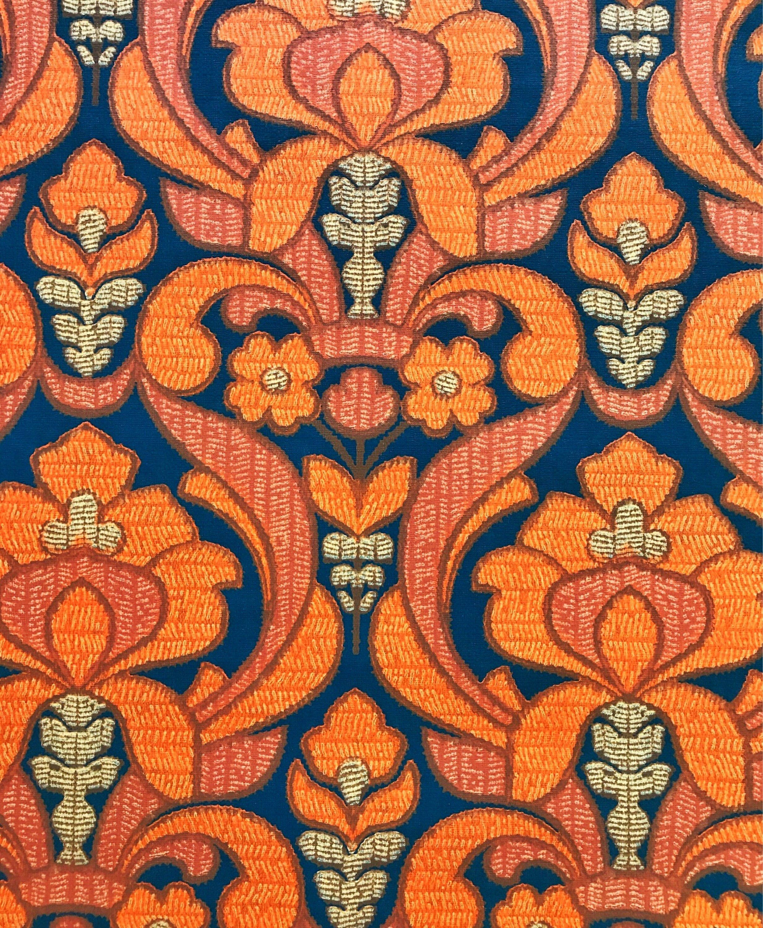 50s vintage swedish wallpaper with a bold floral print