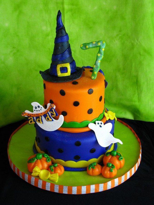 Non scary Halloween cake decorations with hat pumpkins ghosts - halloween cake decorations