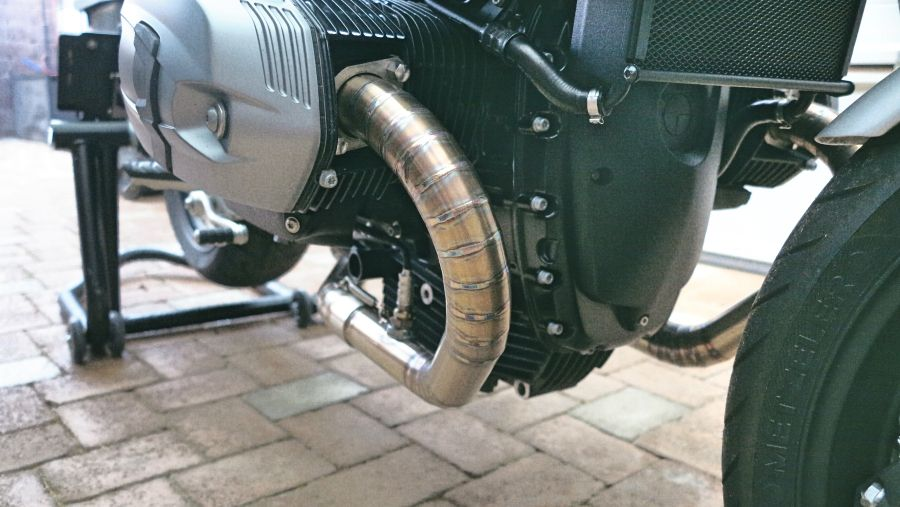 Headpipe without catalytic converter bmw r9t visible