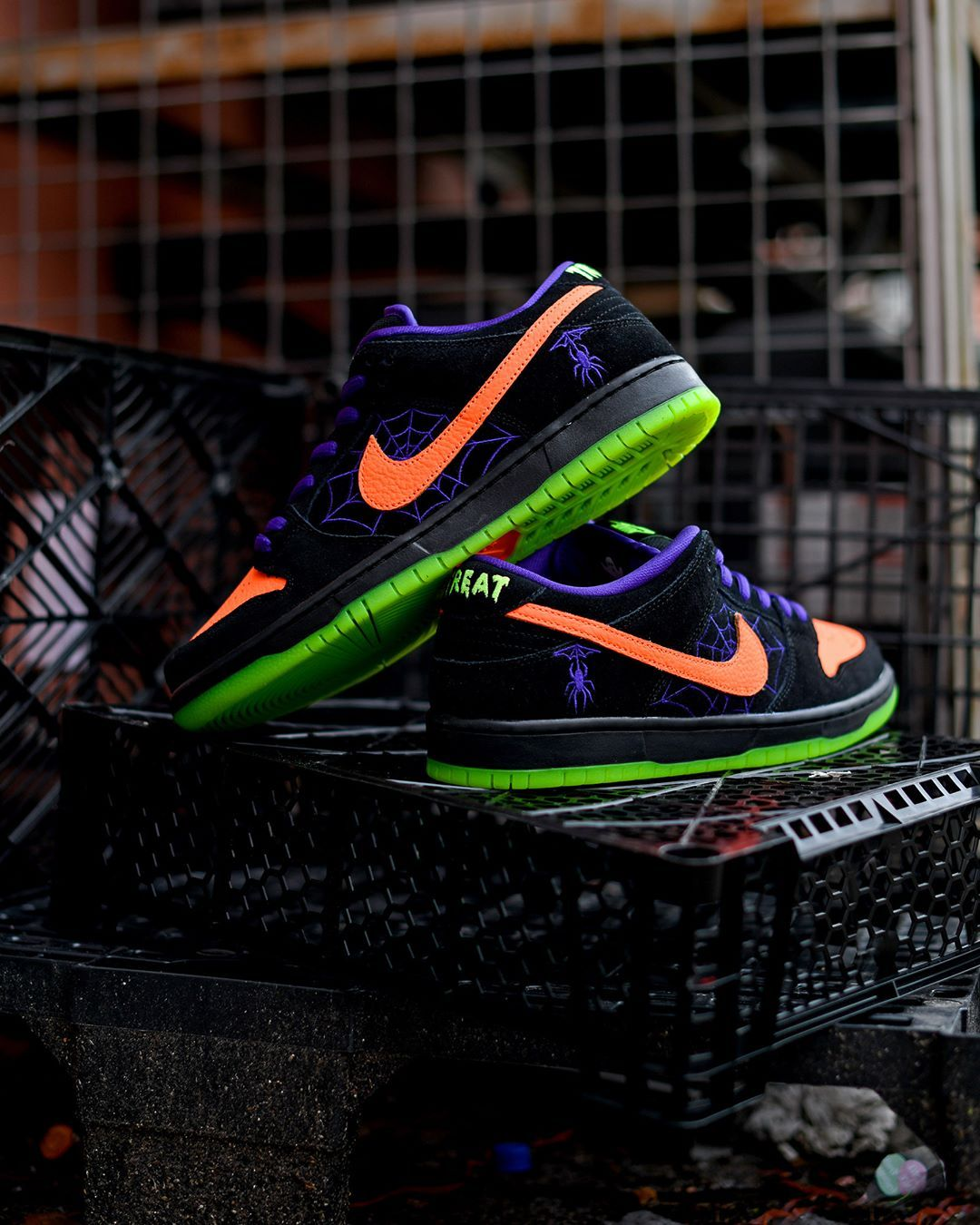 Nike Sb Dunk Low Halloween Night Of Mischief Launching Online October 31th Lancement Le 31 Octobre En Ligne Price 95 Nike Sb Dunks Nike Sb Dunk Low