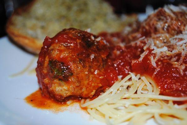 (healthier!) homemade meatballs and sauce