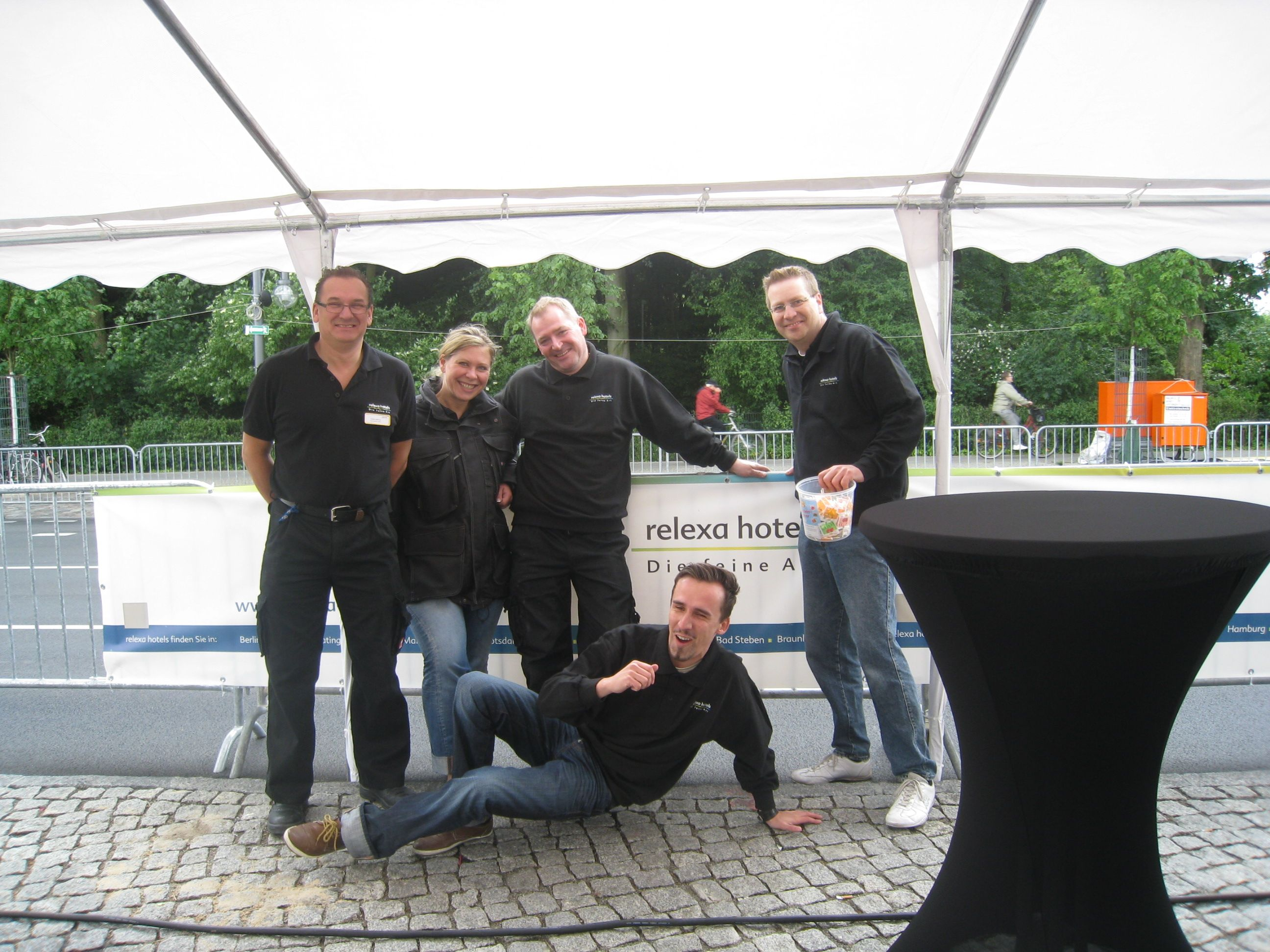Das relexa Team aus Berlin war Teil des Berliner Firmenlaufs 2012. Sie versorgten die Teams mit Getränken, Snacks und guter Laune.