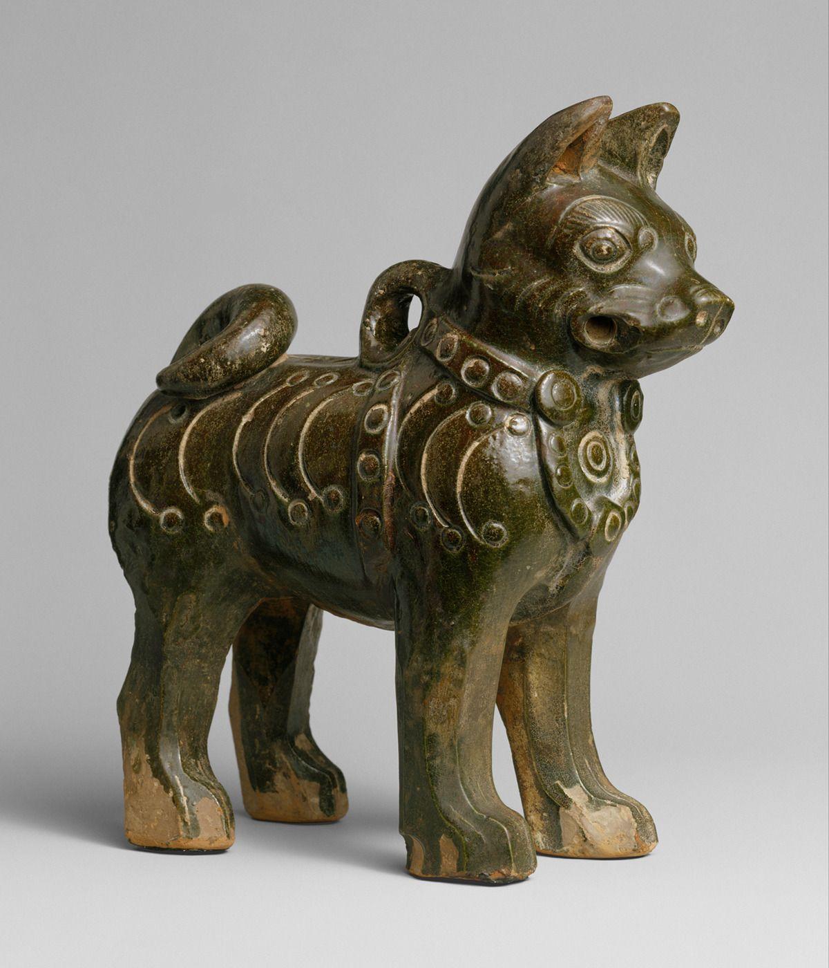 Ceramic dog with collar. China, Eastern Han Dynasty, 1st