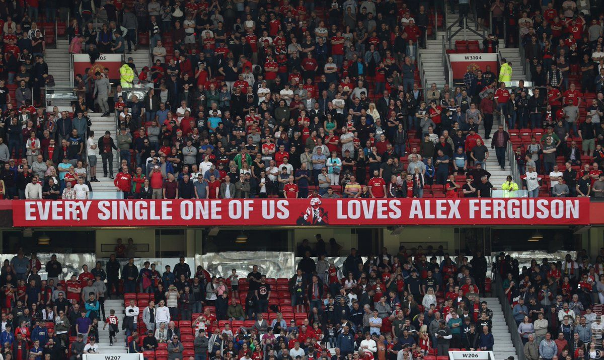 Banner Adorns Old Trafford In Support Of Legendary United Manager Ferguson Manchesterunited Premierleague Football Trafford Old Trafford Manchester United