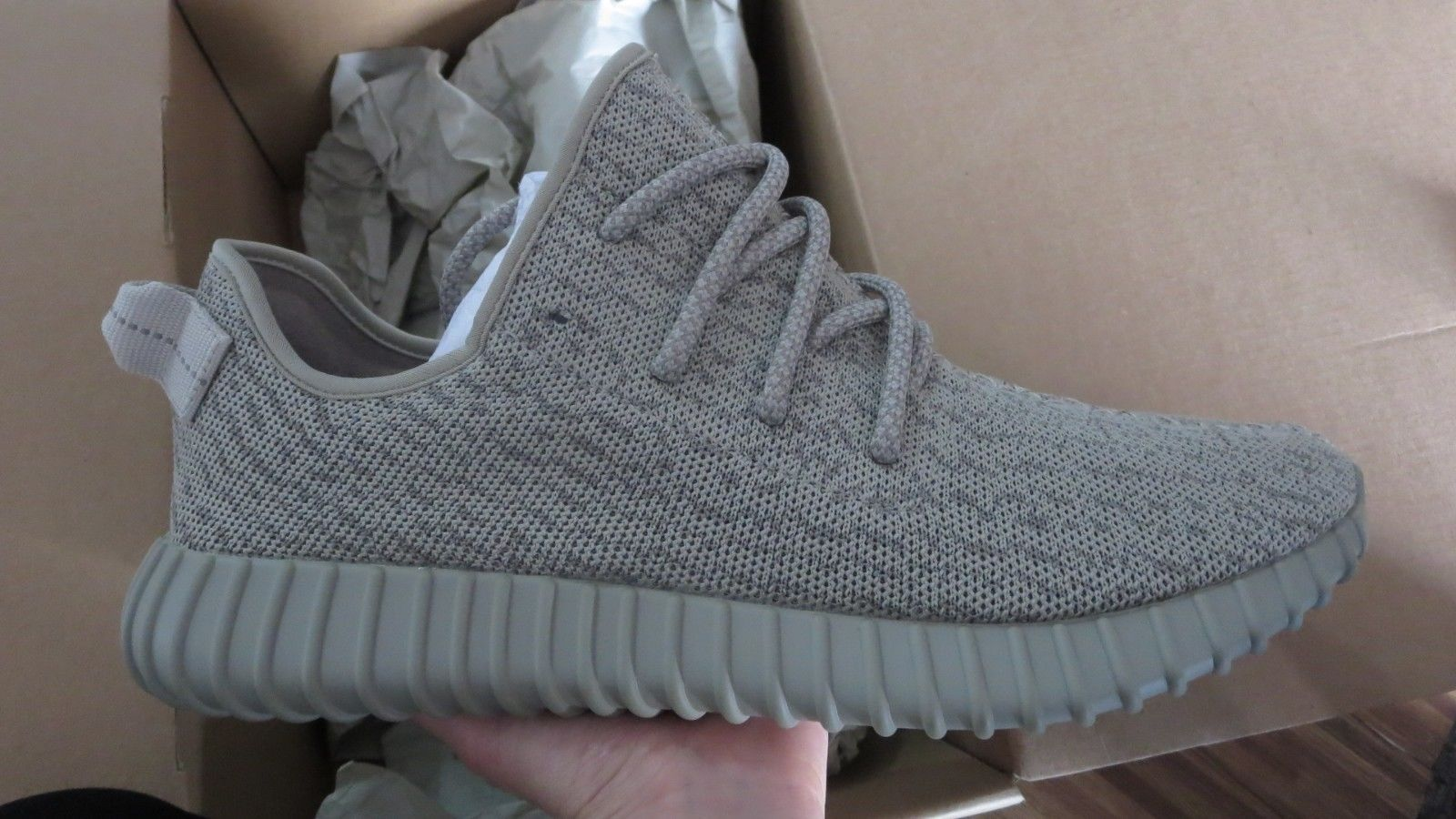 59d2d687502 New 100% Authentic Sz 9.5 Adidas Yeezy Boost 350 MOONROCKS AQ2660 by Kanye  West