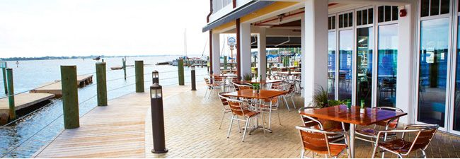 Dining On The Manatee River In Palmetto Sarasota Restaurants Florida Restaurants Waterfront Restaurant