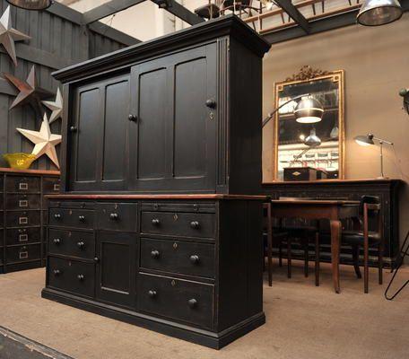 le grenier roubais ancien buffet 2 corps sapin 1920 noir tourisme france. Black Bedroom Furniture Sets. Home Design Ideas