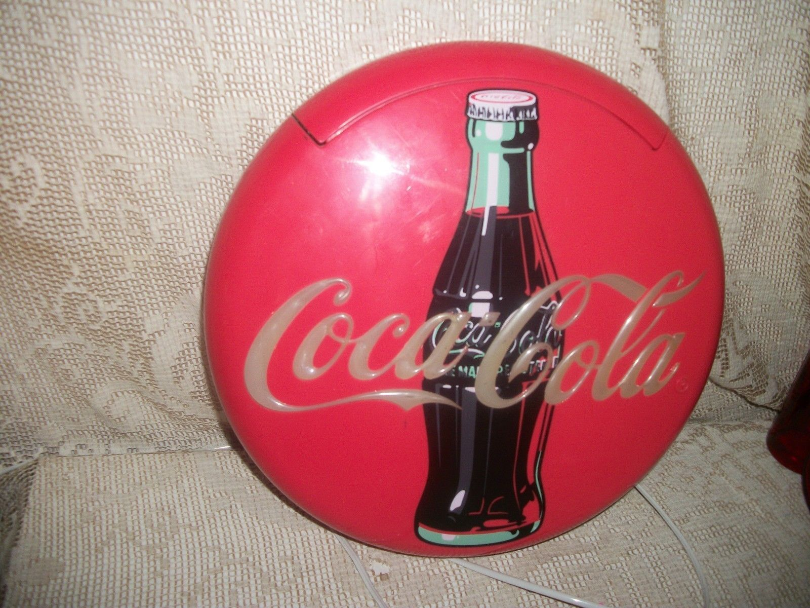 COCA COLA TELEPHONE FLASHES LIGHTS WHEN RINGING 1995 WORKS GREAT! PHONE  CORD INCLUDED! THE COCA COLA LOGO FLASHES (LIGHTS UP) WHEN PHONE RINGS, CAN  BE HUNG ...
