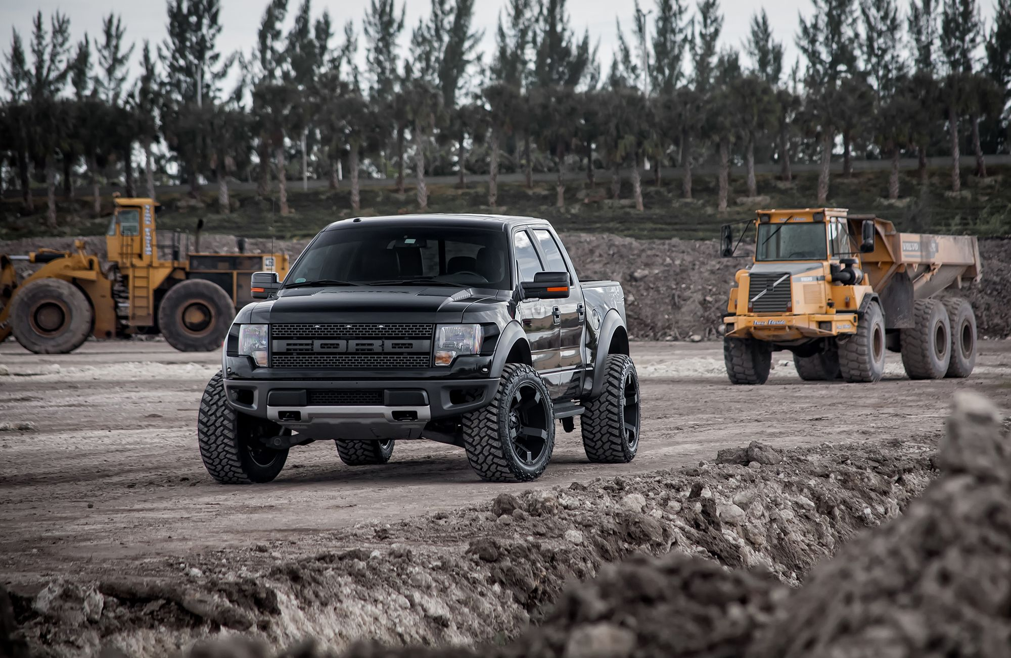 Ford raptor all black
