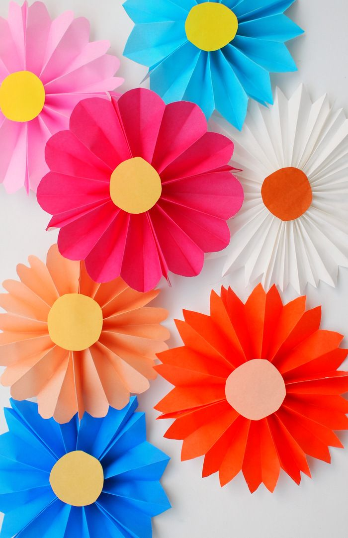 Accordion paper flowers origami patterns origami and for Simple paper flower craft