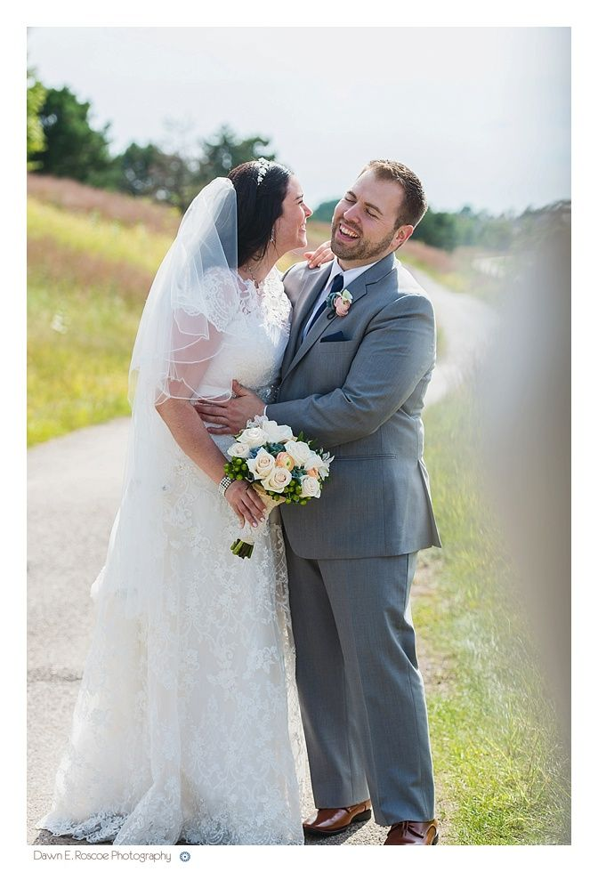 Congrats to out bride, Sara! She looked stunning in this lace gown ...