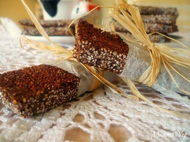 Barrette al cioccolato con popcorn di amaranto e sesamo