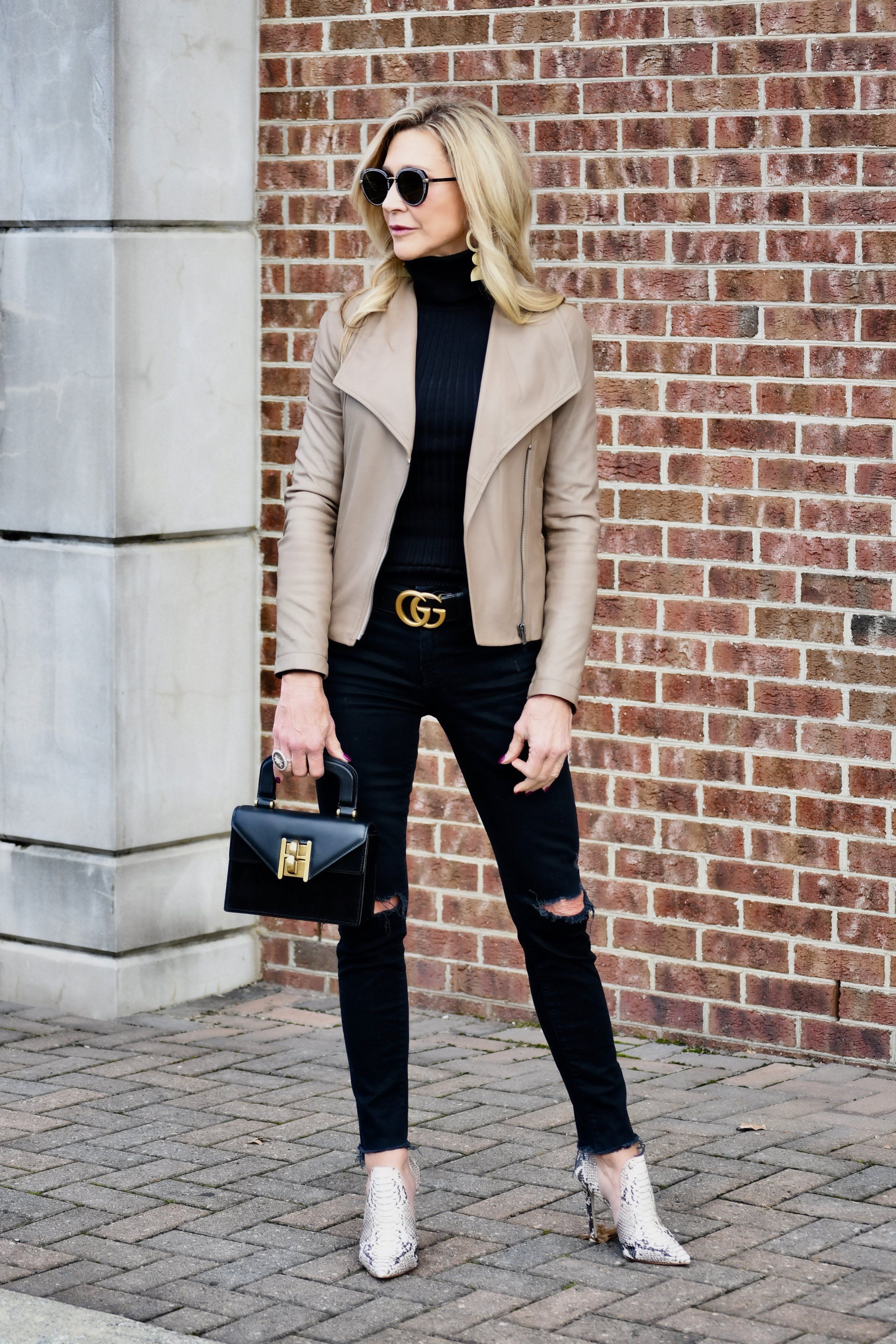 Every Day Effortless Style Crazy Blonde Life White Leather Jacket Outfit Beige Leather Jacket Outfit Leather Jacket Outfit Fall [ 3750 x 2500 Pixel ]