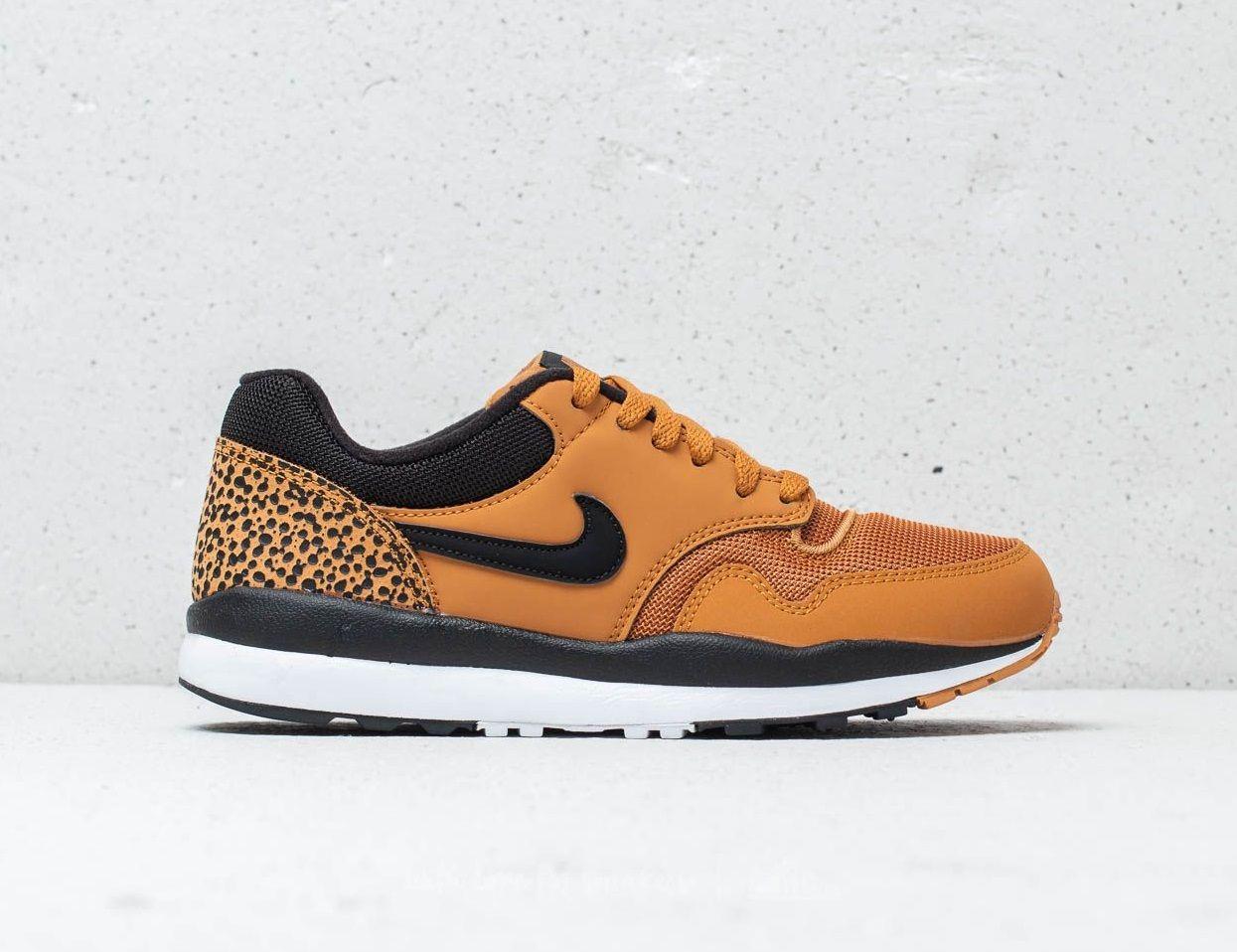 edb827101d0f Nike Air Safari