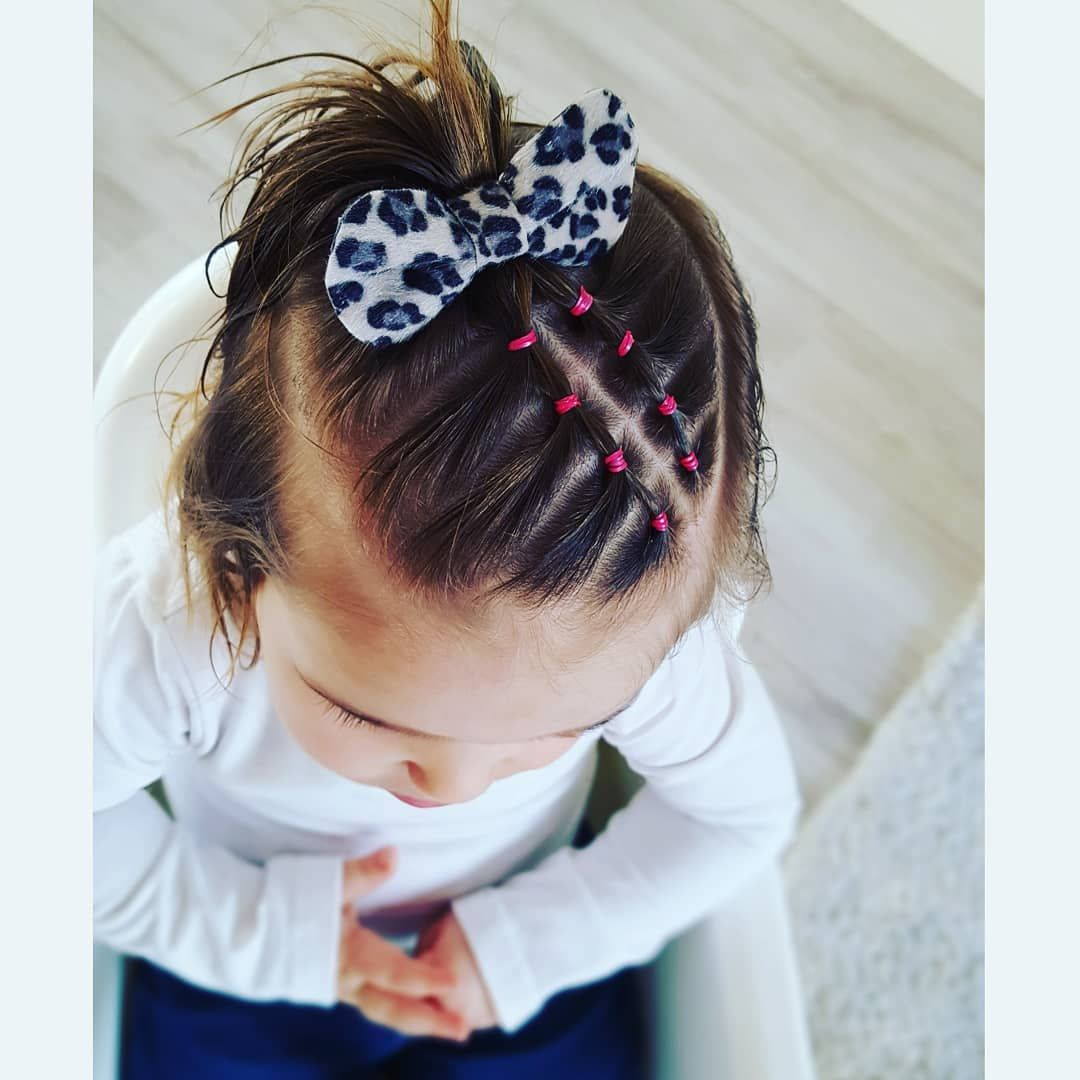 """Selena and Sofía's Hairstyles🎀 on Instagram: """"🎀. Inspired by @hildes_hairstyles😍 Leopard Bow thanks to www.facebook.com/haarclipjesenstrikjes 😊. #hairstyle #hair #style #fashion…"""""""