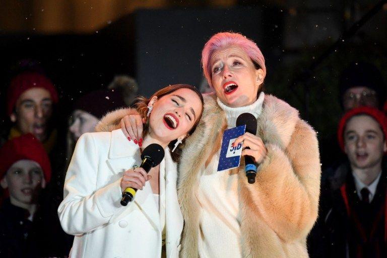 Emilia clarke and emma thompson make christmas come early