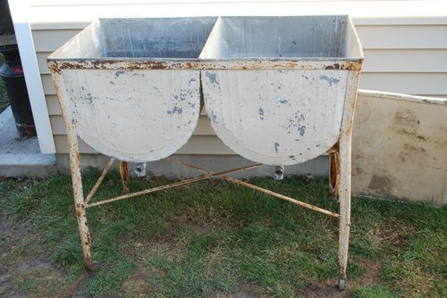 Vintage Antique Galvanized Metal Double Laundry Wash Tub W
