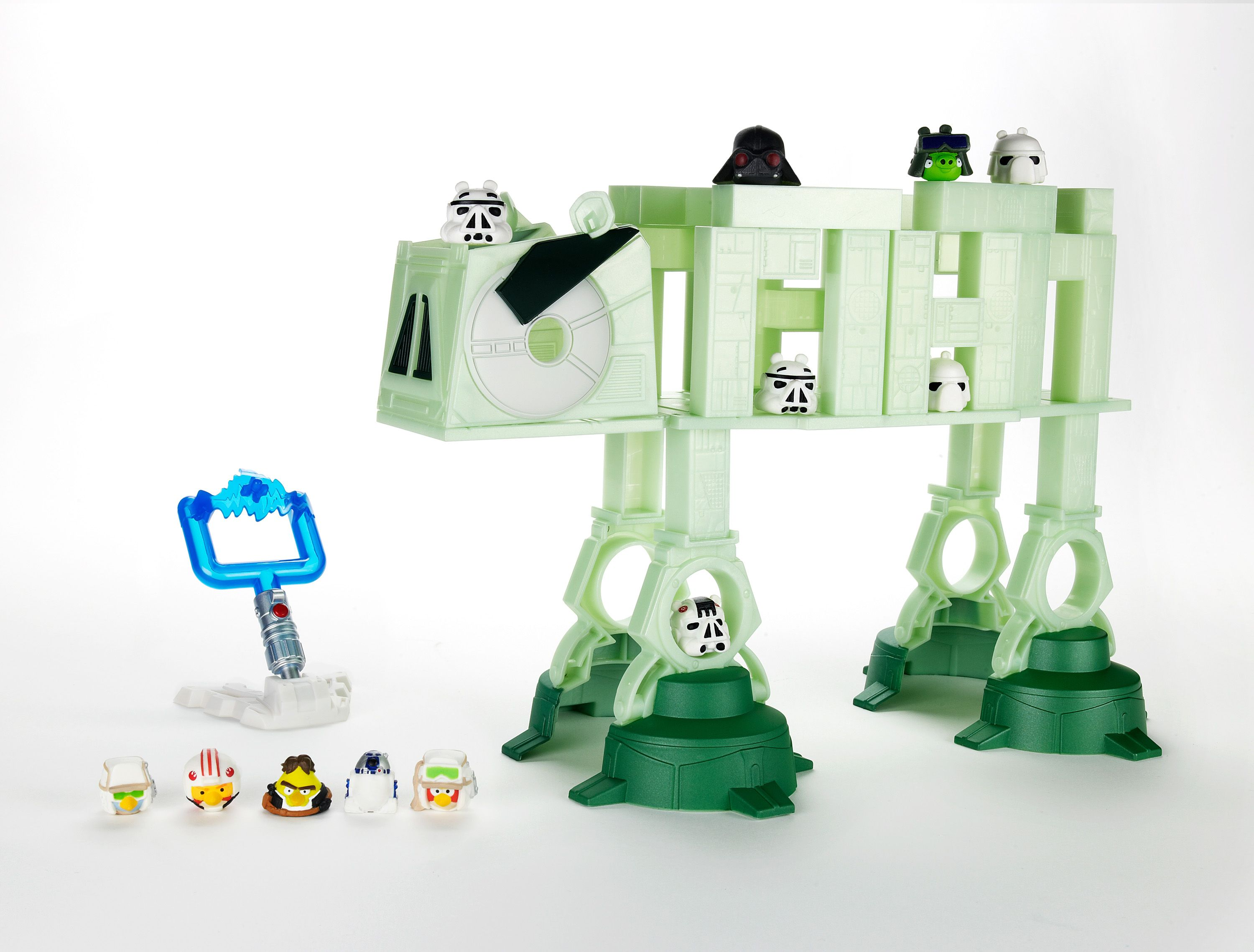 First Look At The Angry Birds Star Wars Crossover Behold The Pig