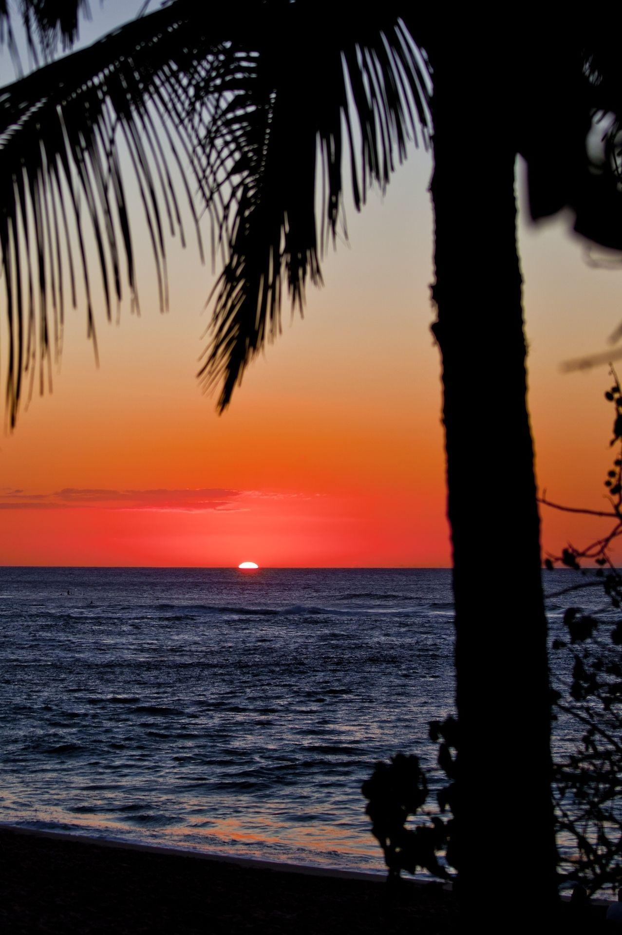 """Sunset Beach, North Shore, Oahu | coastalcreature"""