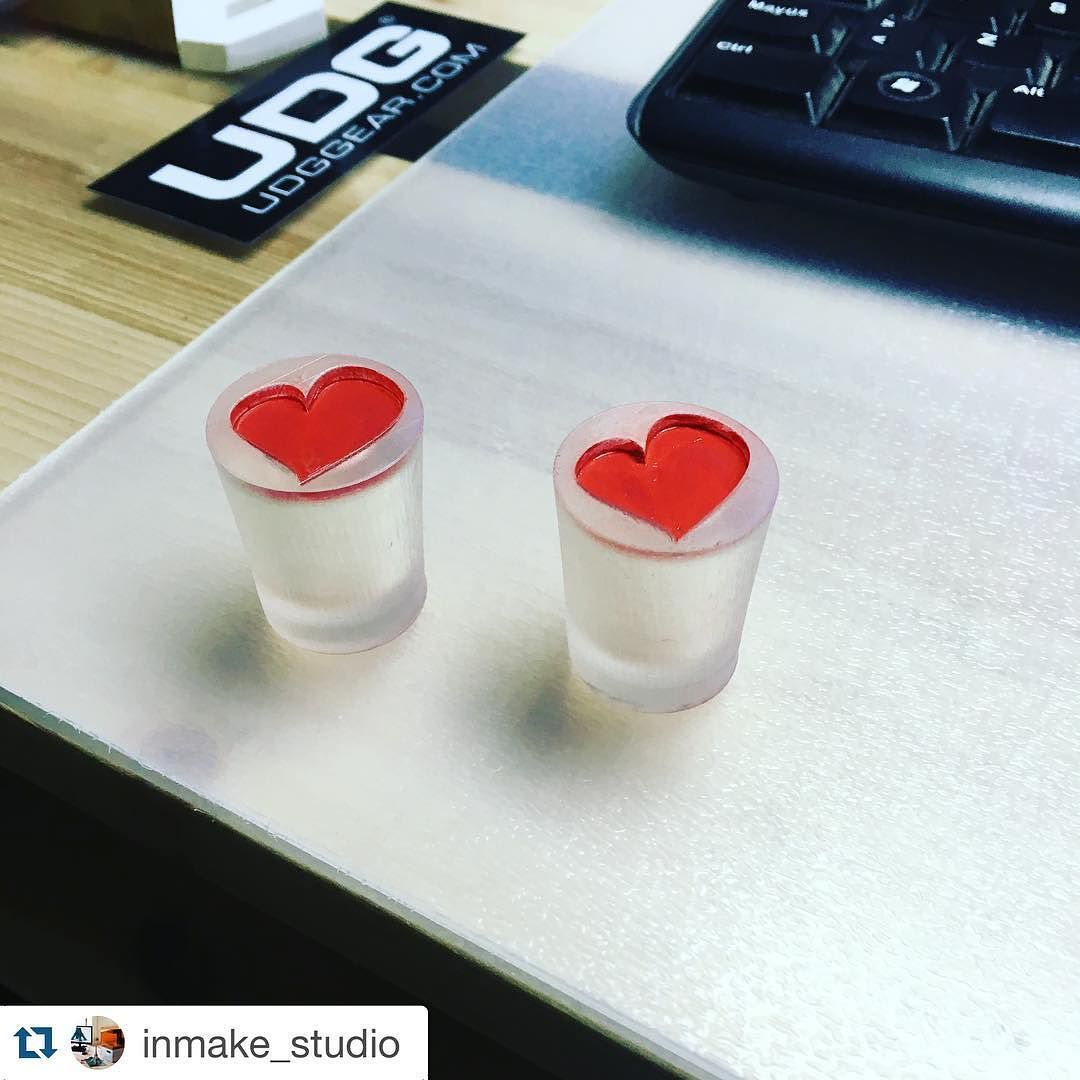 Tapones de resina me encantaron @inmake_studio artistas ...