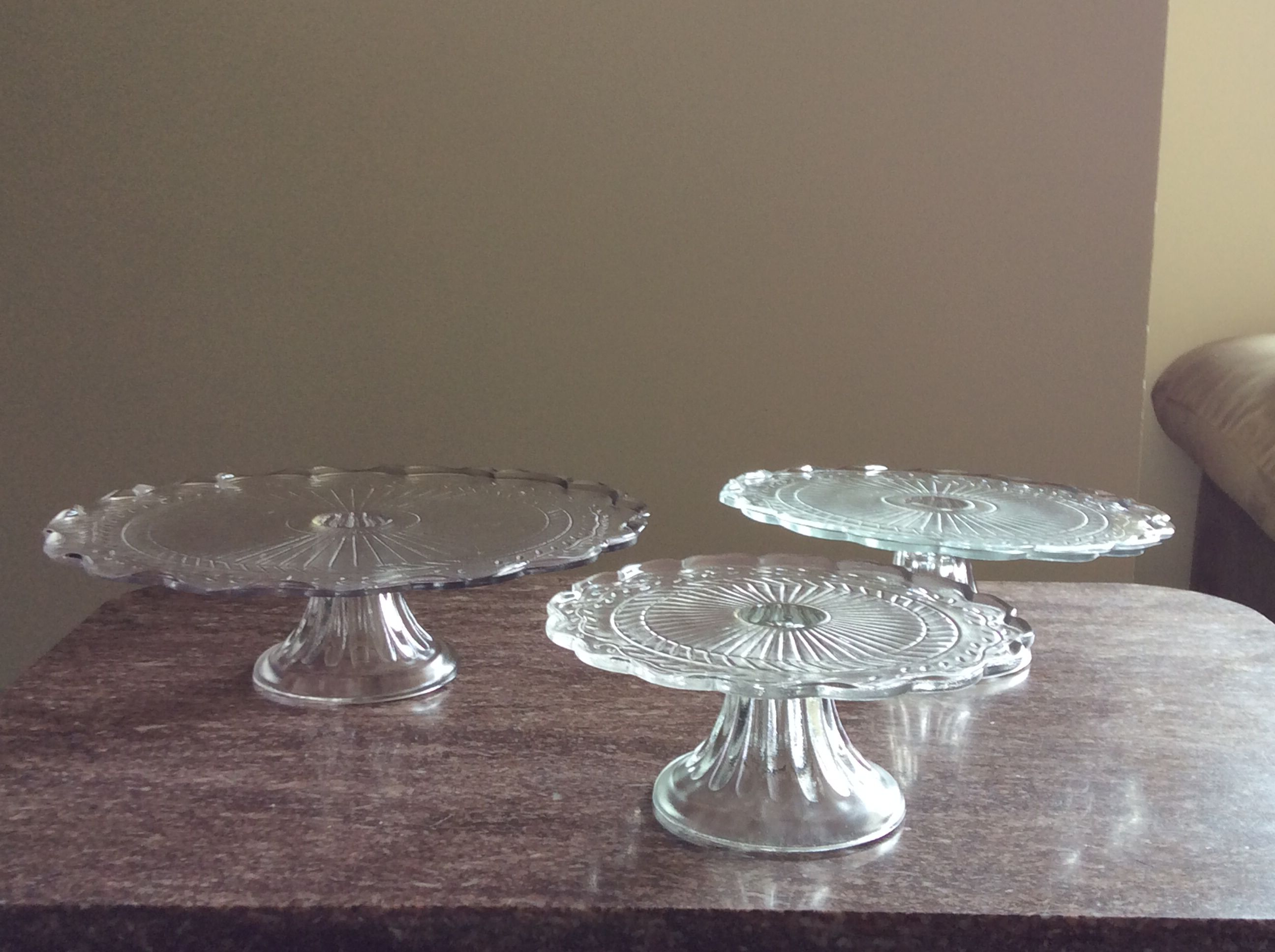 DC area wedding supplies for pick up Glass cake stands