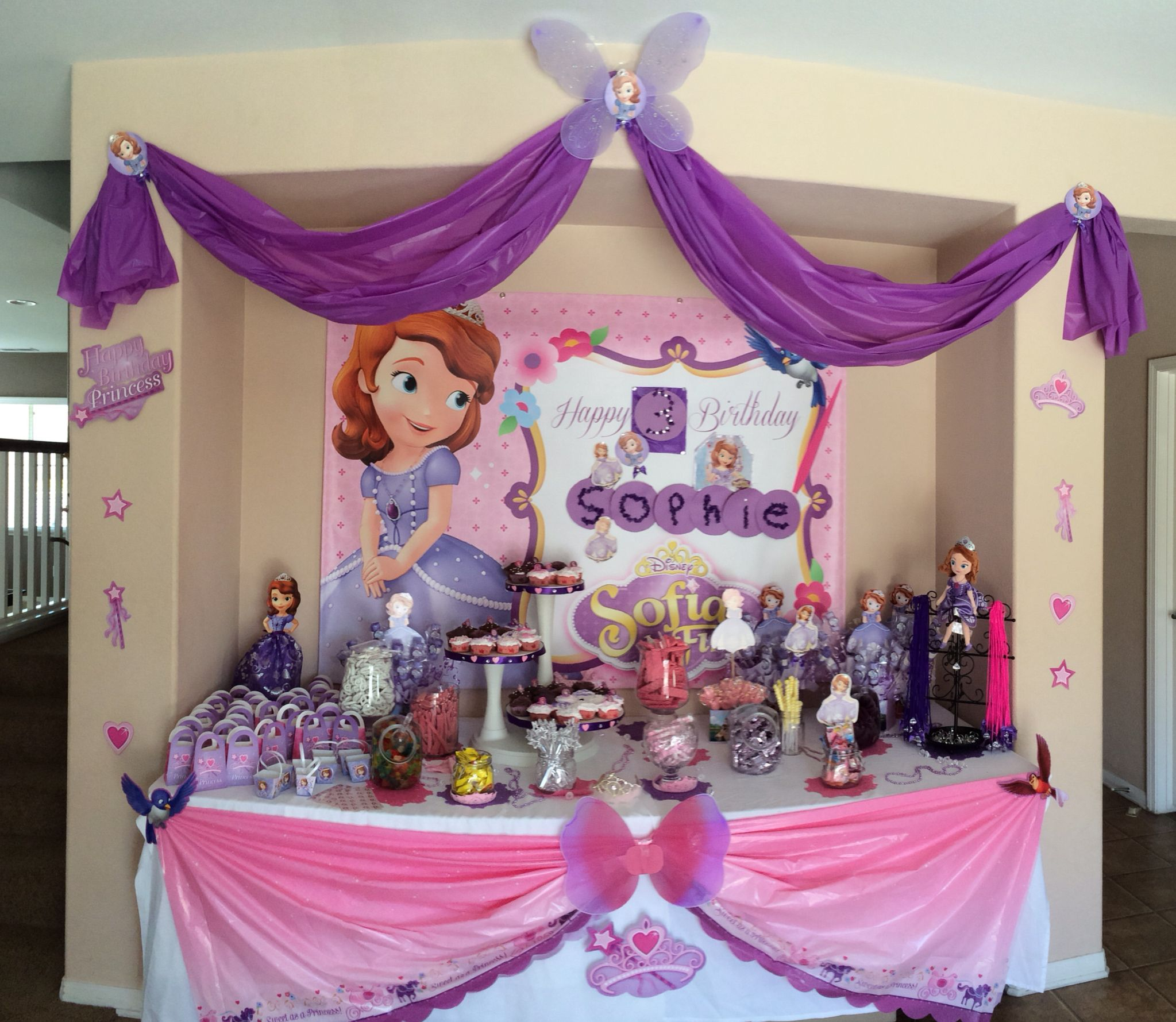 Sophia The First Candy Table Birthday Party Centerpieces Pink And Gold Birthday Party Birthday Party Decorations