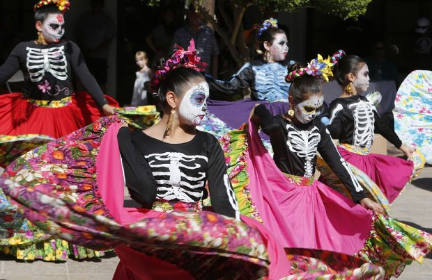 The Annual Celebration Remembrance Has Begun In Tucson Dia De Los Muertos Festival Day Of The Dead Art