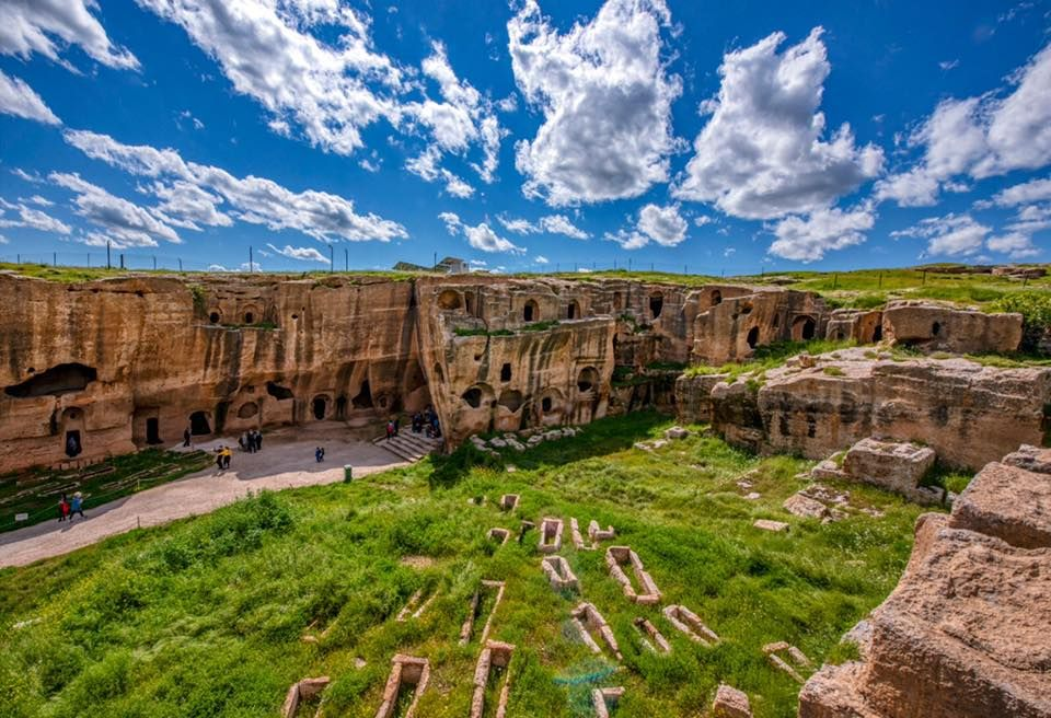 Античне місто Дара, історія якого налічує понад 2300 років, є одним із  найзначніших давніх поселень у провінції Мардін. #Dara…   House styles,  Mansions, Environment