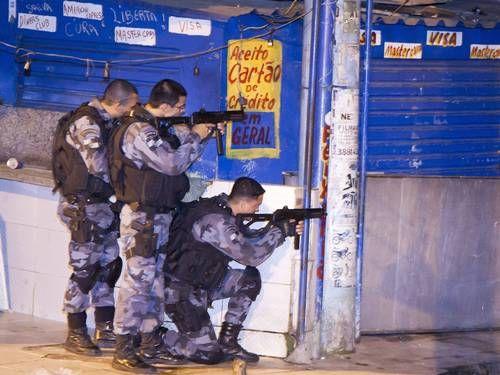 Policial do Bope e morador são mortos durante tiroteio na Nova Holanda | Globos